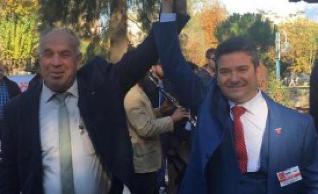 CHP Tire'de Şenoyar Yeniden Seçildi