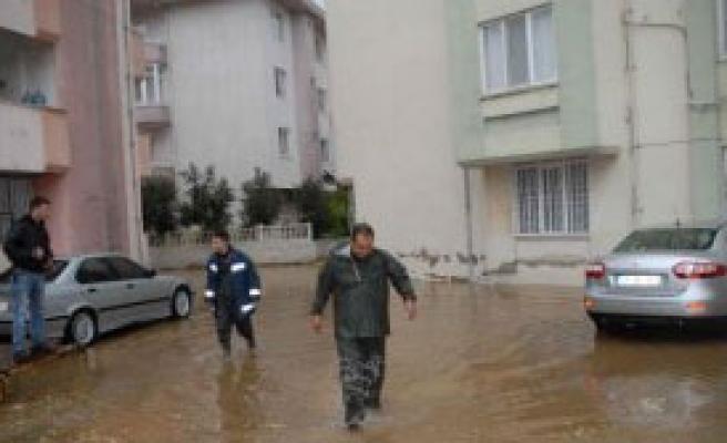 Muğla'da 3 Saat Sağanak Yağmur