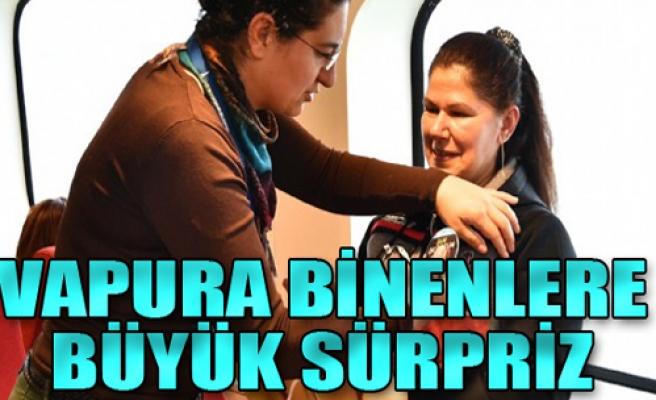 İzmir'de vapura binenlere büyük sürpriz!