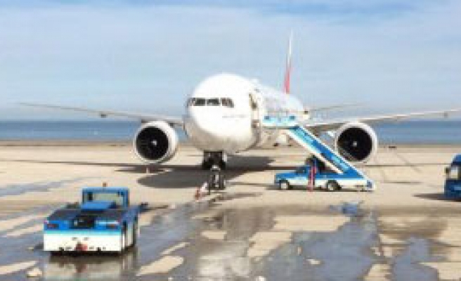 Emirates Uçağıtrabzon'a Acil İniş Yaptı