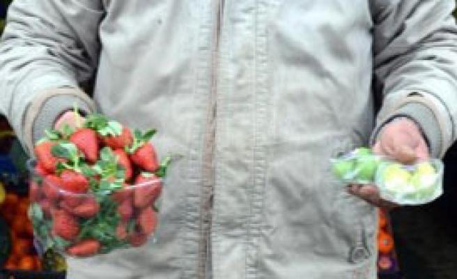 Yaz Meyvelerinin Fiyatı Cep Yakıyor