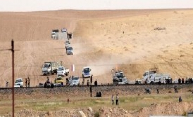 500 Suriyeli Sınırda Bekliyor