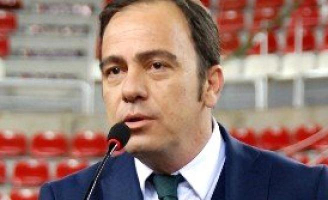 Karşıyaka'da Başkan Altuğ'a Tepki