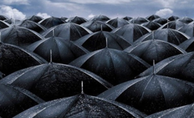 O Şemsiyeler Açıldı!