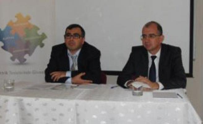 Facialar İzmir'de Konuşulacak