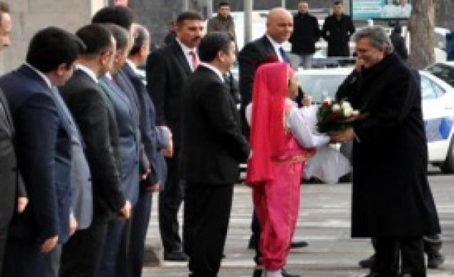 Gül, Kayseri Valiliği'ne Ziyaret Etti