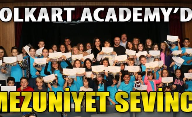 Folkart Academy'de Mezuniyet Sevinci