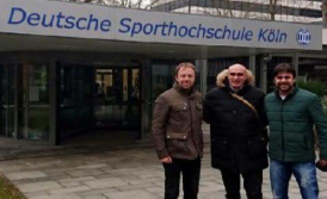 Sabuncu, Almanya'da Spor Tesislerini Gezdi