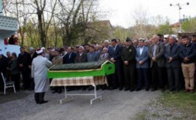 Kastamonu'da İntihar Eden Polis Zonguldak'ta Toprağa Verildi