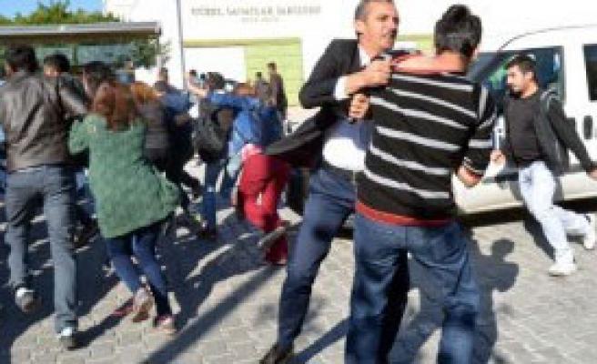 Pkk Yandaşı Öğrencilere Polis Müdahalesi