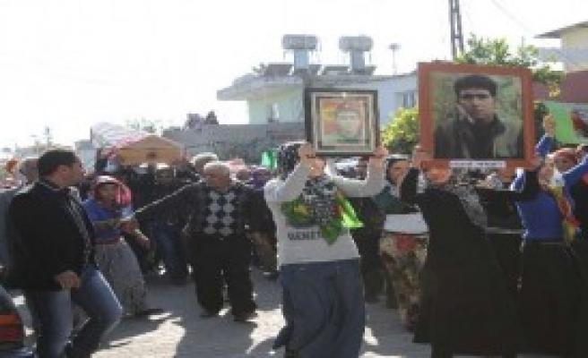 Adana'da PKK Üyesine Cenaze Töreni