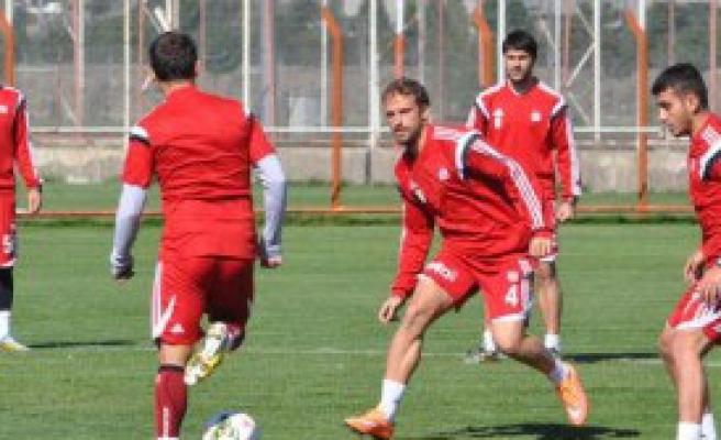 Sivasspor'da Hedef 3 Maçta 9 Puan