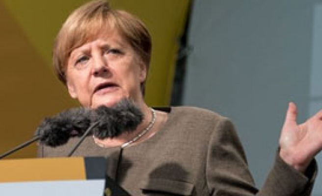 Merkel'den 'Seçim' Tepkisi