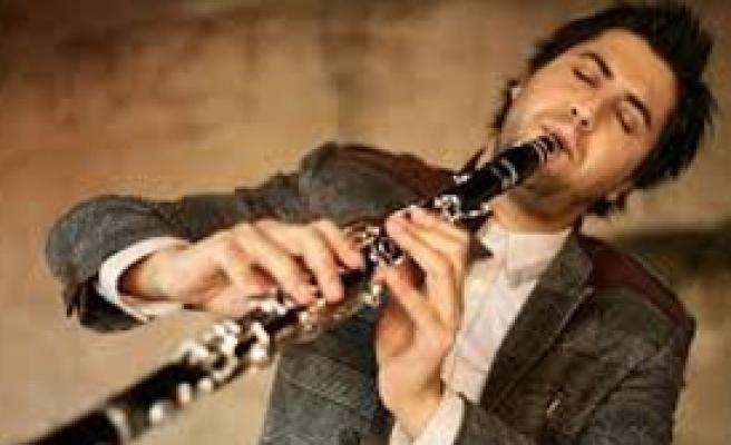 Ünlü Müzisyene Hırsız Şoku