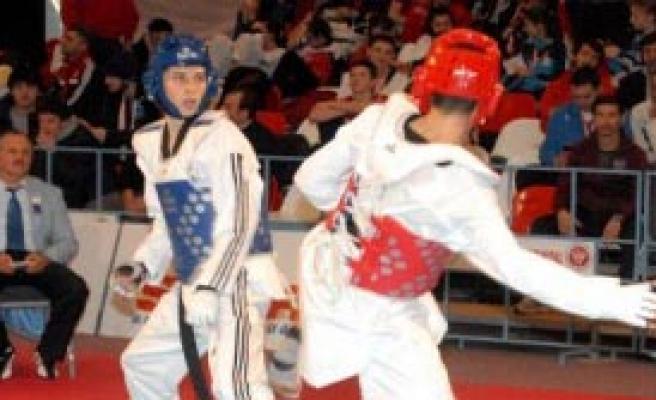 Avrupa Kulüpler Tekvando Şampiyonası Başladı