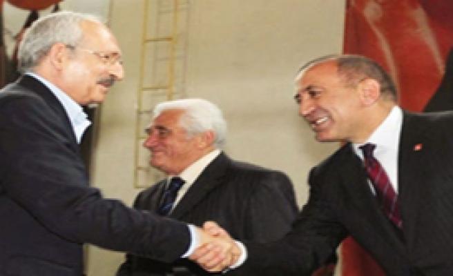 CHP'de Üç Adaylı Seçim