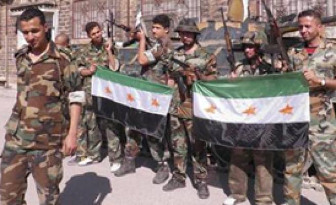 'İran Suriye'ye Silah Göndermeye Devam Ediyor'