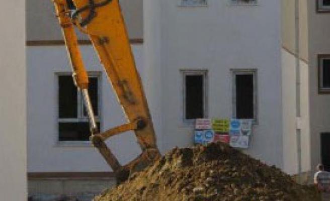İnşatta Toprak Kayması, 1 İşçi Yaralandı