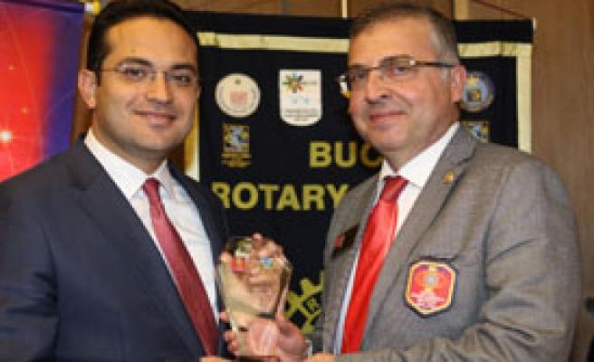 Başkan Atila'ya 'Hizmet' Ödülü