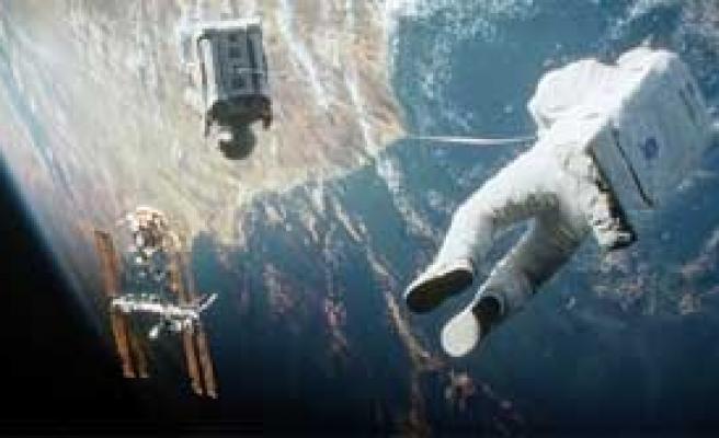 'Yerçekimi' Büyük İlgi Gördü