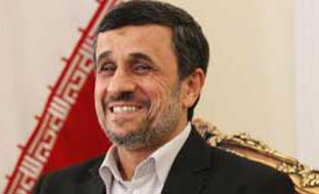 'Ahmedinejad'a 7 Saatlik Gözaltı'