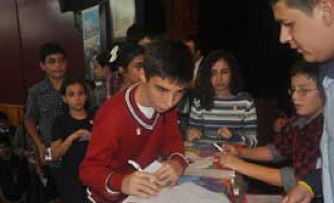 İzmirli Çocuklar Demokrasiyi Çok Sevdi