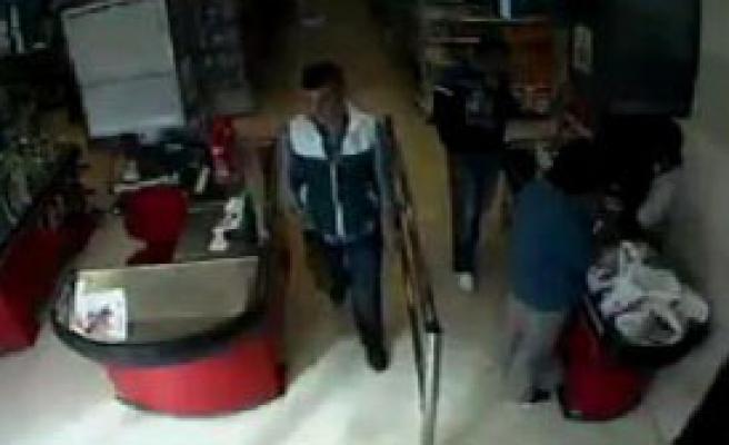 2 Kilo Kaşar Peyniri Çaldı, Tutuklandı