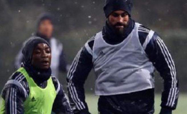 Fenerbahçe Kar Altında Çalıştı
