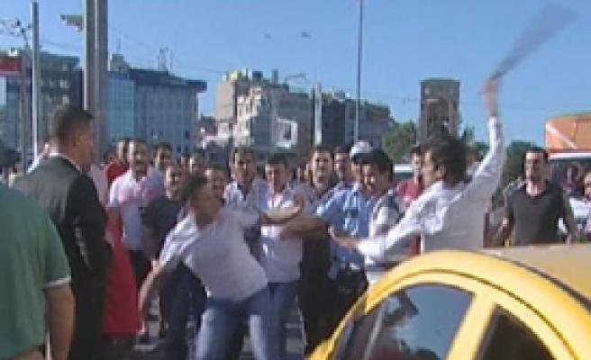 Taksim'de Savaş Çıktı!