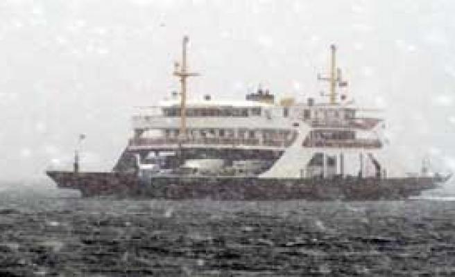 Kar Çanakkale Boğazını Kapattı