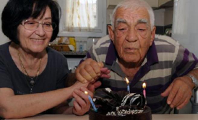 Huzurevinde 50. Yıl Kutlaması