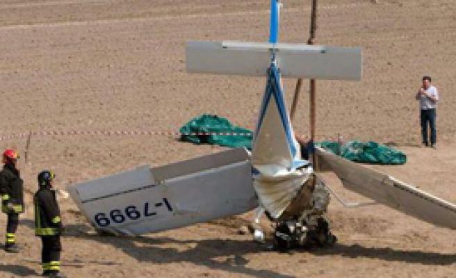 İtalya'da Ultralight Uçak Düştü: 2 Ölü