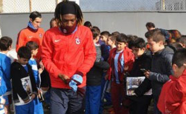 Trabzonspor'da Tekelioğlu Forvetini Arıyor