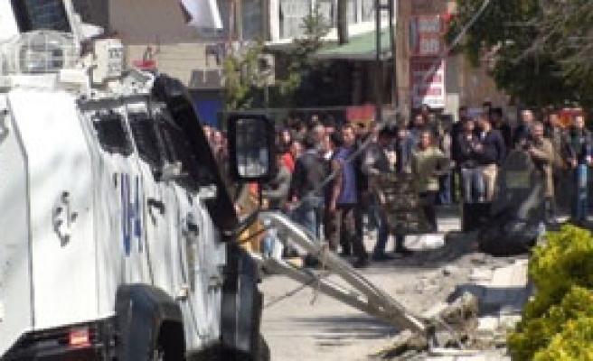 Tunceli'de Öldürülen Terörist İstanbul'da Toprağa Verildi