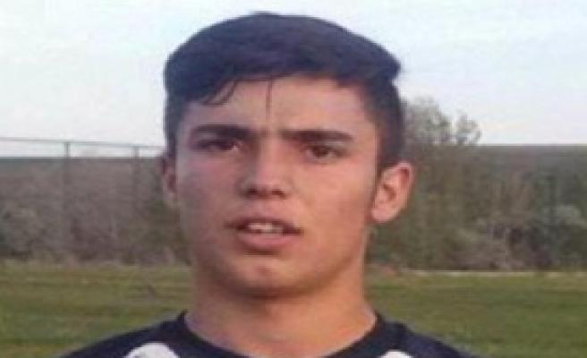 Genç Futbolcu Kansere Yenik Düştü