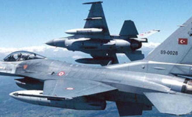 Jetler, Kandil'i Bombaladı