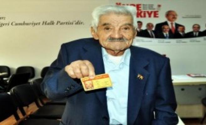 88 Yaşında, Oyların Peşinde