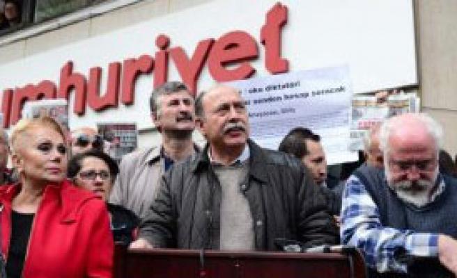 Cumhuriyet Gazetesi'ne  Destek Ziyaretleri