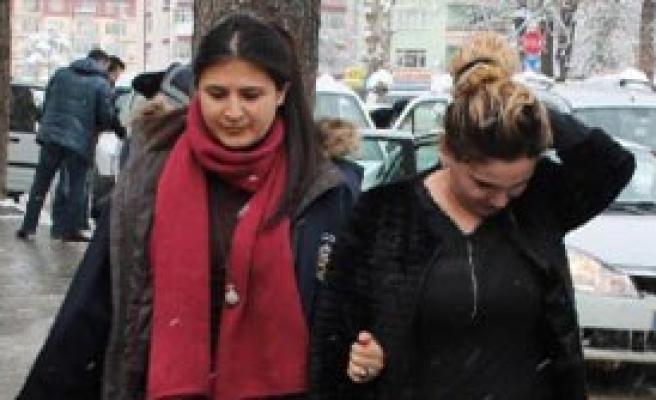 İnternet Sitesinden Fuhuşa 3 Gözaltı