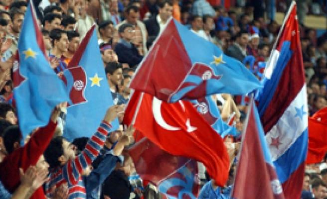 Trabzonspor''da Taraftarından Başkan Şener'e Destek ve Sitem