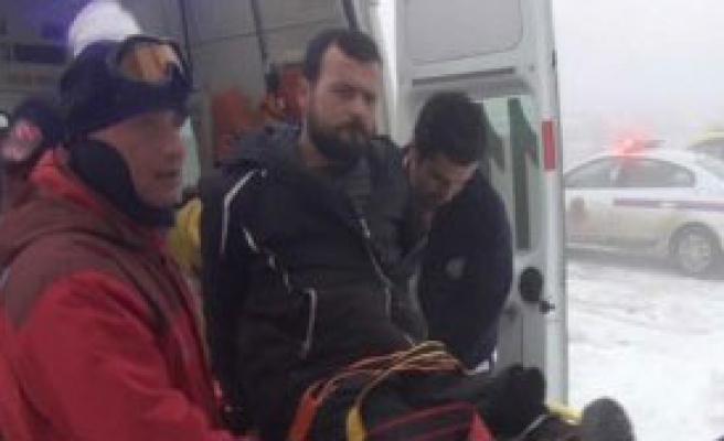 Kar Motorunun Altında Kalıp Yaralandı