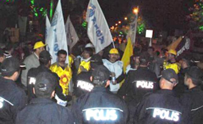 Konya'da Eyleme Polis 'Vetosu'