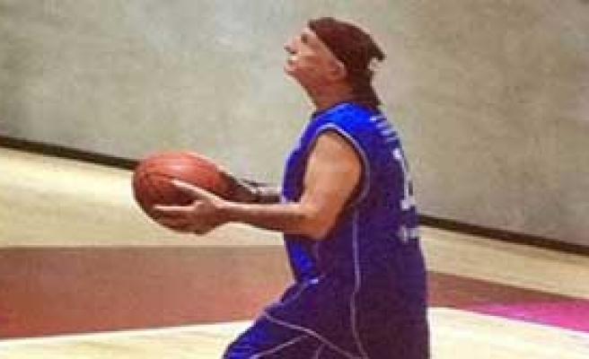 Milyarder 'Basketbolcu' Özyeğin