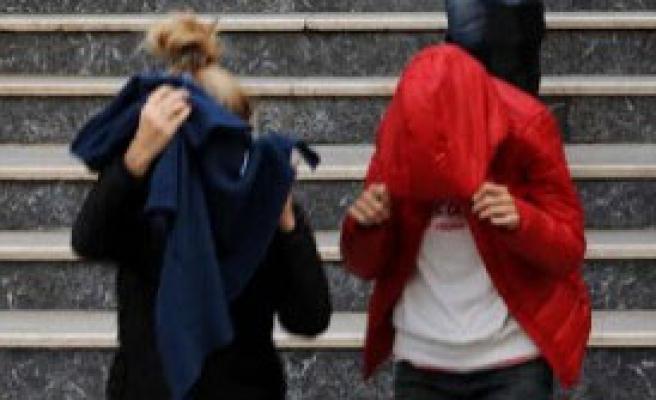 İstanbul'da 10 İlçede Fuhuş Baskını