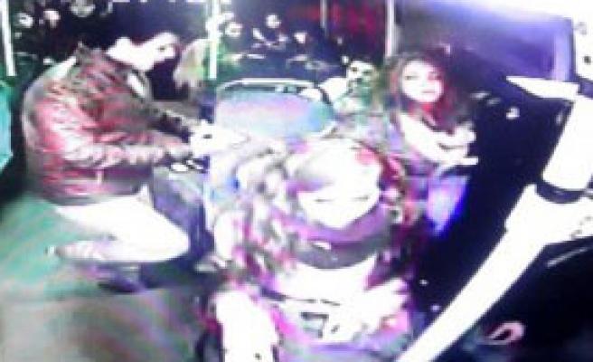 Liseli Kız Halk Otobüsünde Bayıldı