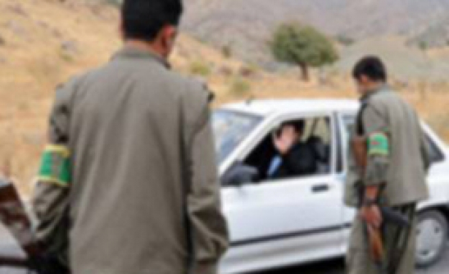 PKK'lılar Ambulans Kaçırıdı!