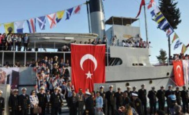 Gemiye Ziyaretçi Akını