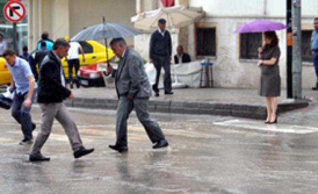 10 Dakikalık Yağmur Edirne'yi Felç Etti