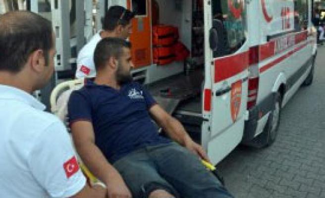 Çarşı Kavgasında 2 Suriyeli Yaralandı