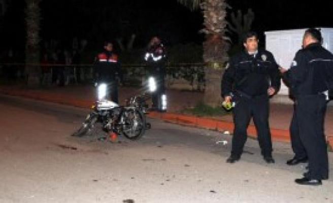Emanet Motosikletle Kaza: 1 Ölü, 2 Yaralı